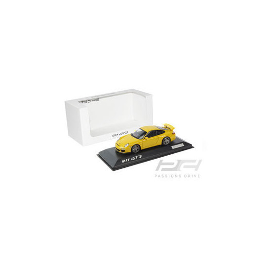PORSCHE 911/997II GT3 JAUNE 1/43 MINICHAMPS