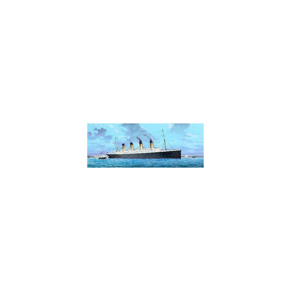 R.M.S. TITANIC 1/200 AVEC LED TRUMPETER