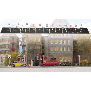 Set de panneaux urbains de circulation 1/87 HO BUSCH