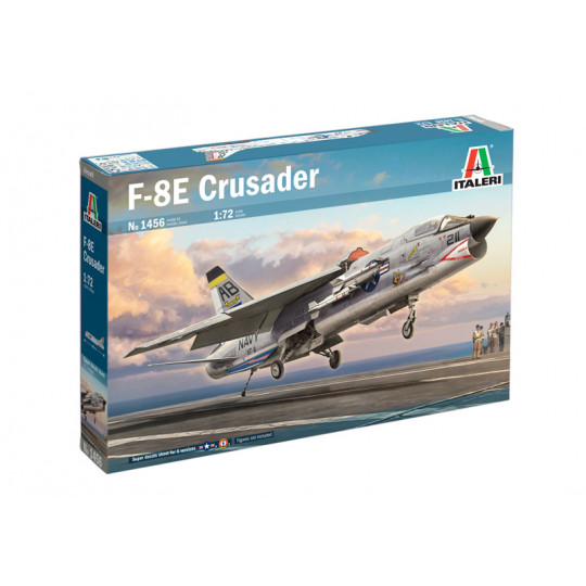 Vought CRUSADER  Aeronavale F-8E  US & French Navy  1/72  ITALERI