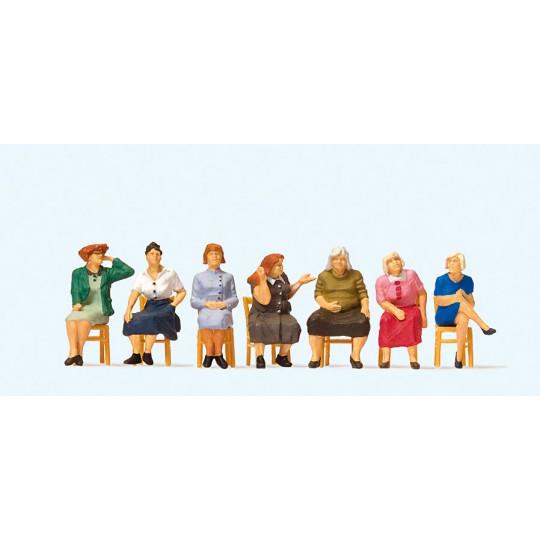 Femmes assises + chaises 1/87 HO PREISER
