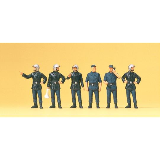 Pompiers français avec...